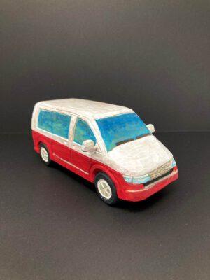 Der VW Multivan T6 hat sich mit seiner Variabilität bei Familien und Outdoorfans beliebt gemacht.